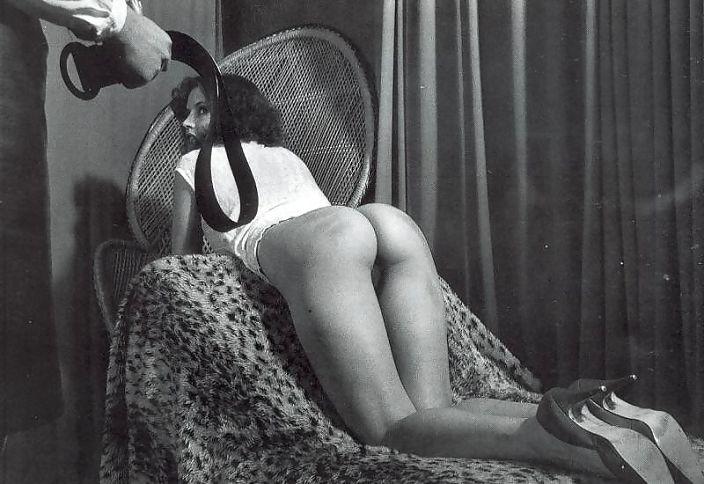 наказание по попе ремнем девушек фото сравнению