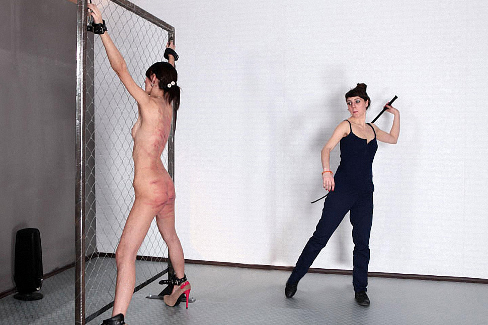 Фото порка будка, секс порнуха рыжая англичанки