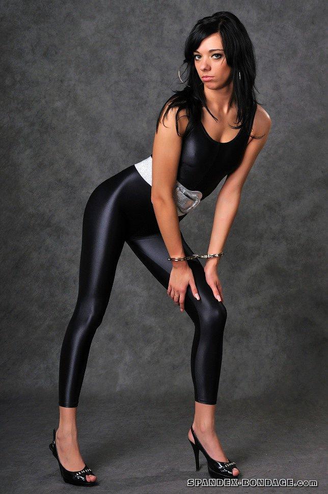 pictures-of-girls-in-spandex-julie-cashporn